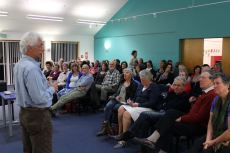 Stefan informing and entertaining the crowd at Havelock North